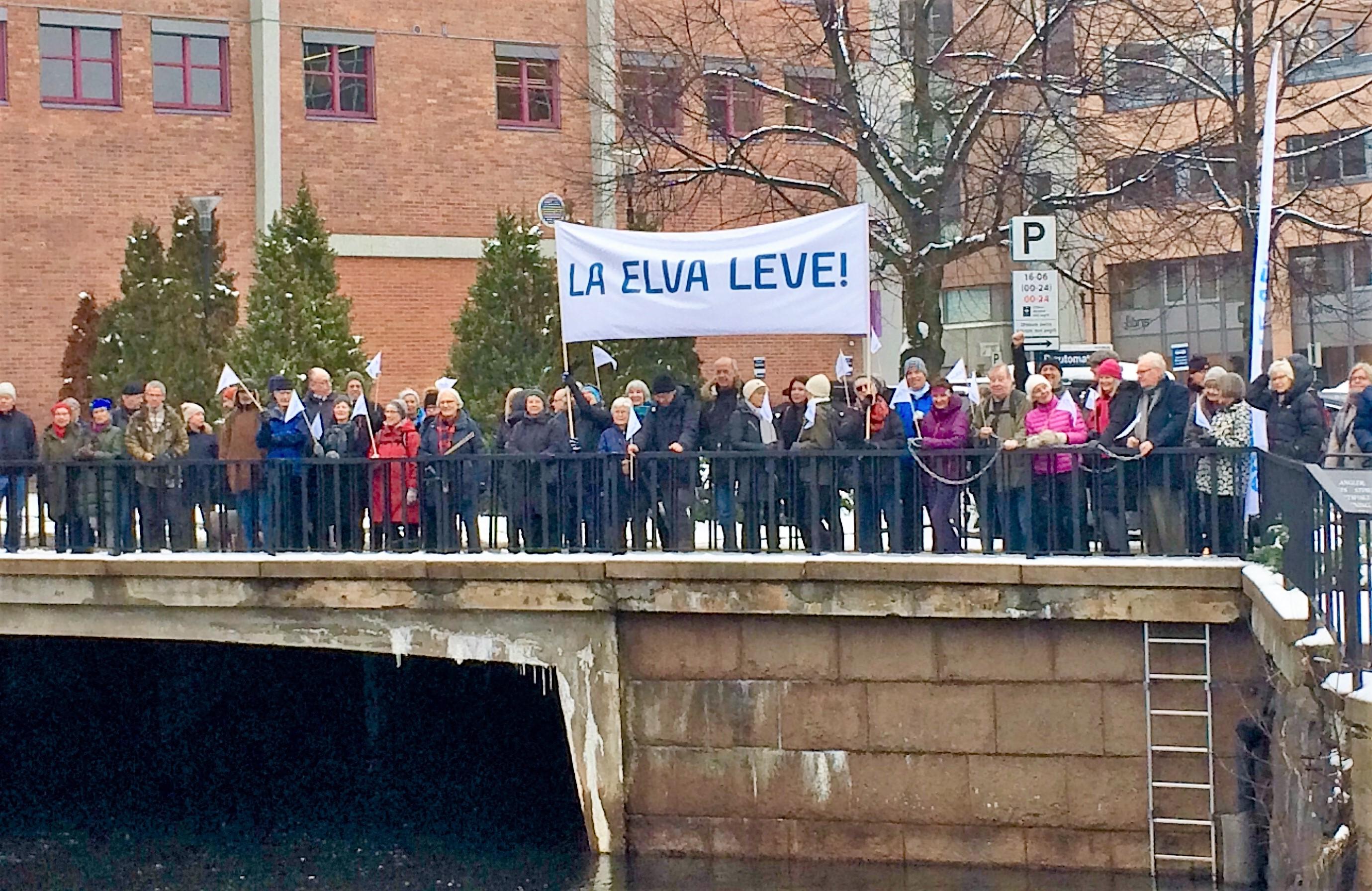 Demo på Gullhaug torg